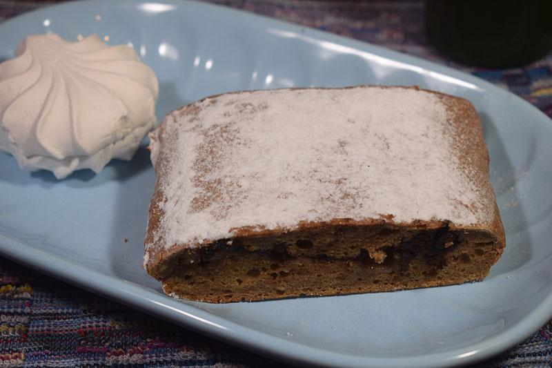 Банановый кекс с зефиром и горьким шоколадом