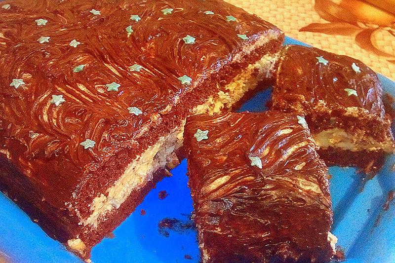 Бисквитный торт Сникерс