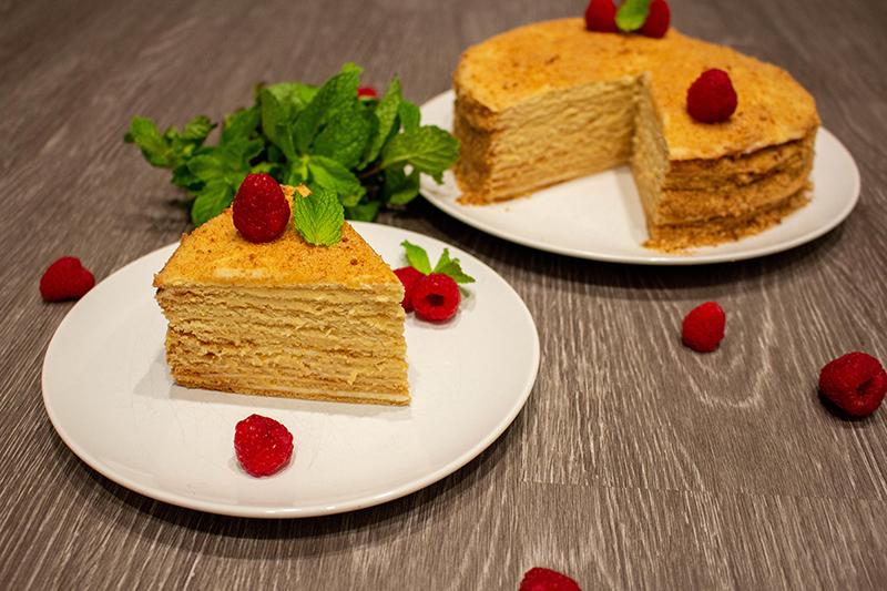 Домашний торт медовик со сметанным кремом