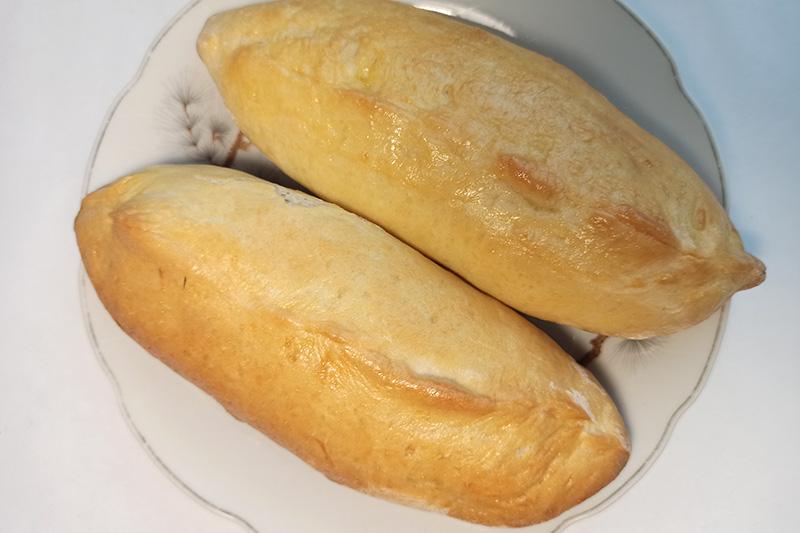 Дрожжевые пирожки с луком и яйцами