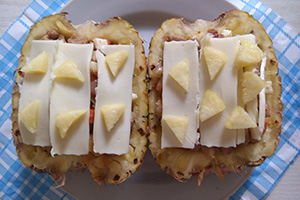 Фаршируем и запекаем ананас