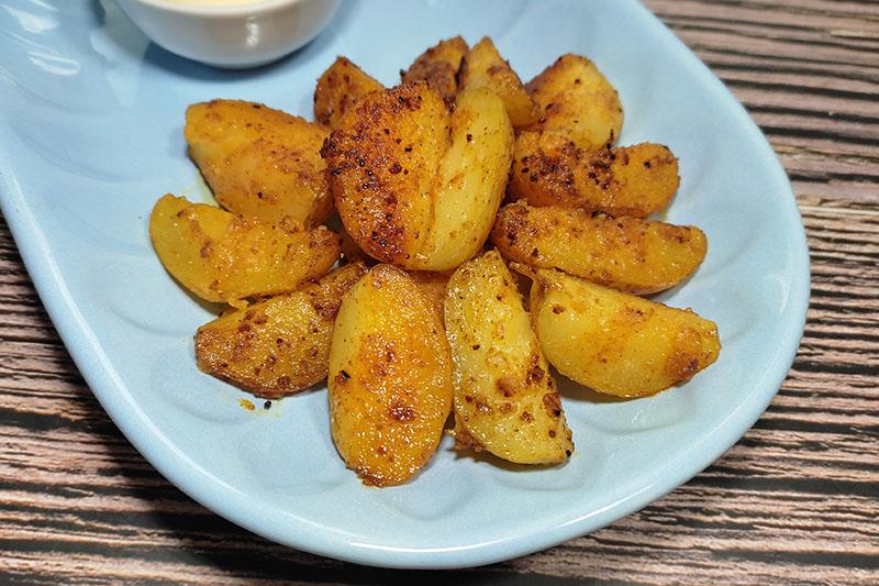 Картофельные дольки по деревенски