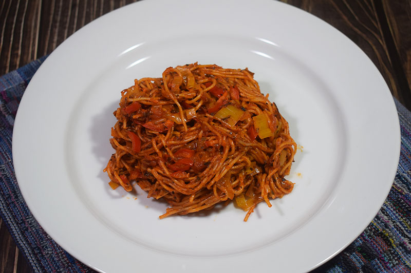 Китайская лапша в томатном соусе