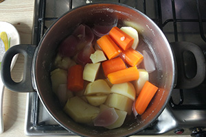 Отвариваем овощи