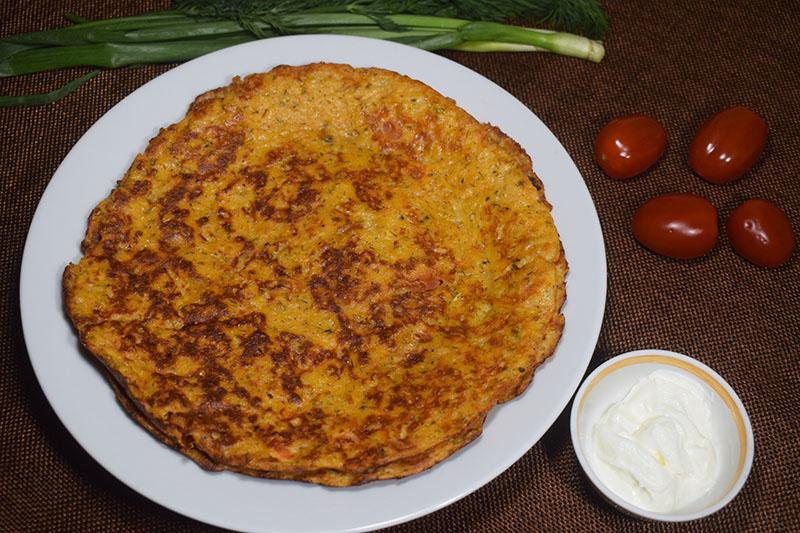 Овсяные блины с томатом и сыром