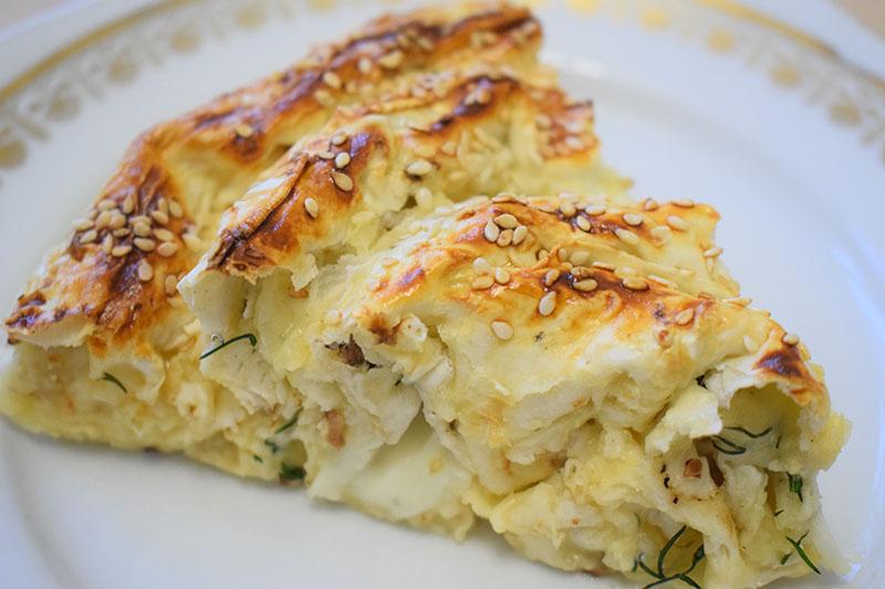 Пирог улитка из лаваша с сыром