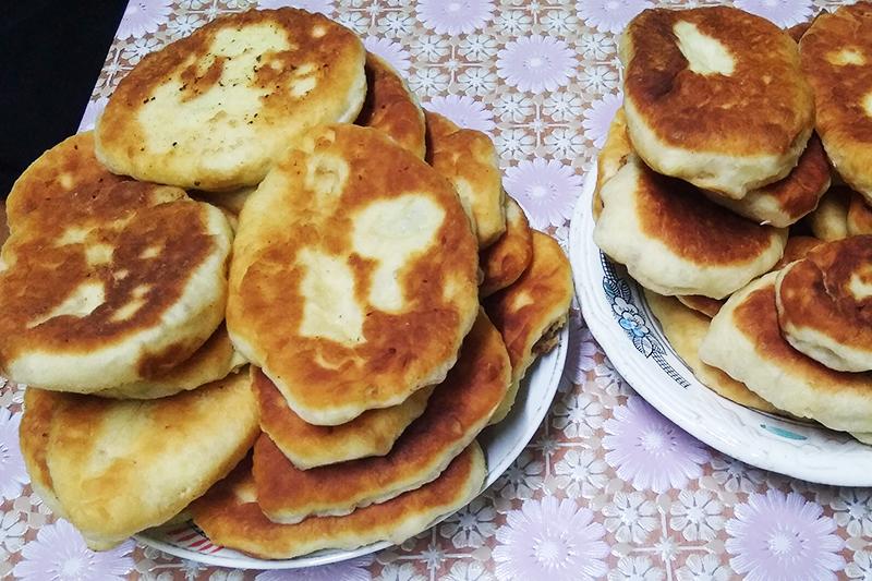 Пирожки на сковородке с картошкой