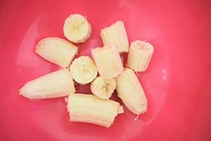 Подготавливаем бананы