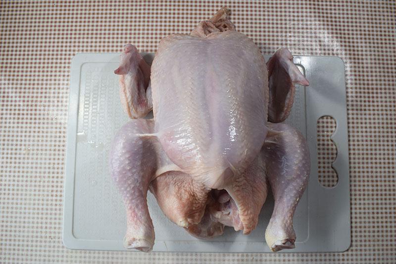 Подготовка курицы и лука