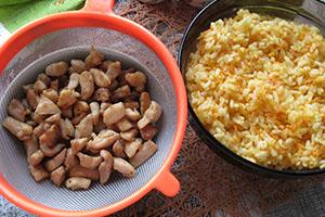 Смешиваем овощи и рис