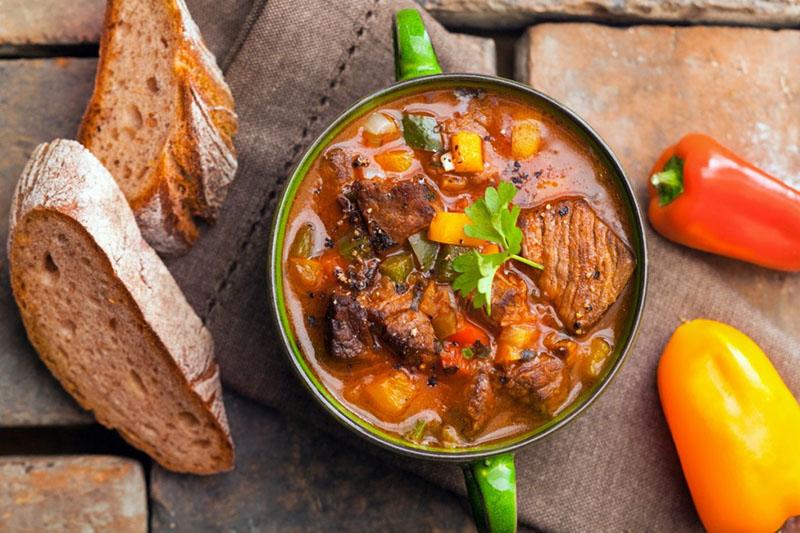 Суп с говядиной и болгарским перцем
