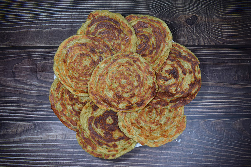 Творожно сырные лепешки со шпинатом