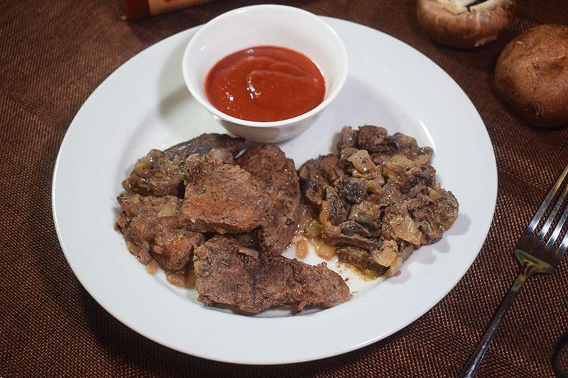 Запеченная говядина с шампиньонами
