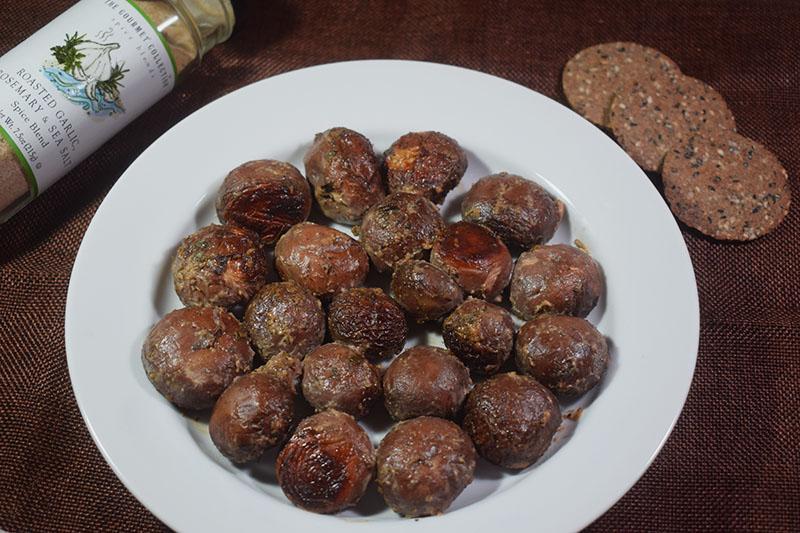 Запеченные шампиньоны в сметанно-майонезном соусе