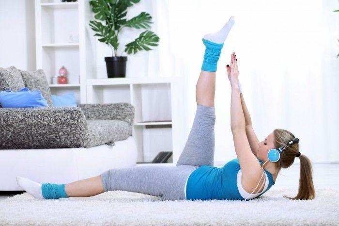 Фитнес в домашних условиях – лучшие упражнения; плюсы и минусы
