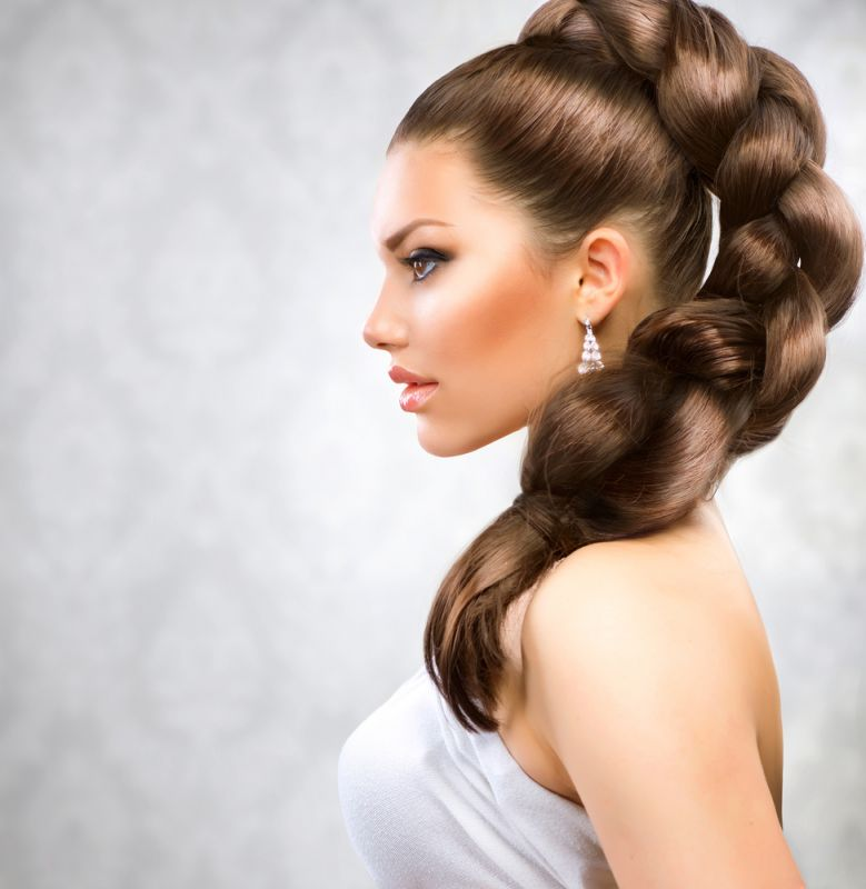 Уход за волосами: полезные советы, распространенные мифы, рецепты укрепляющих масок