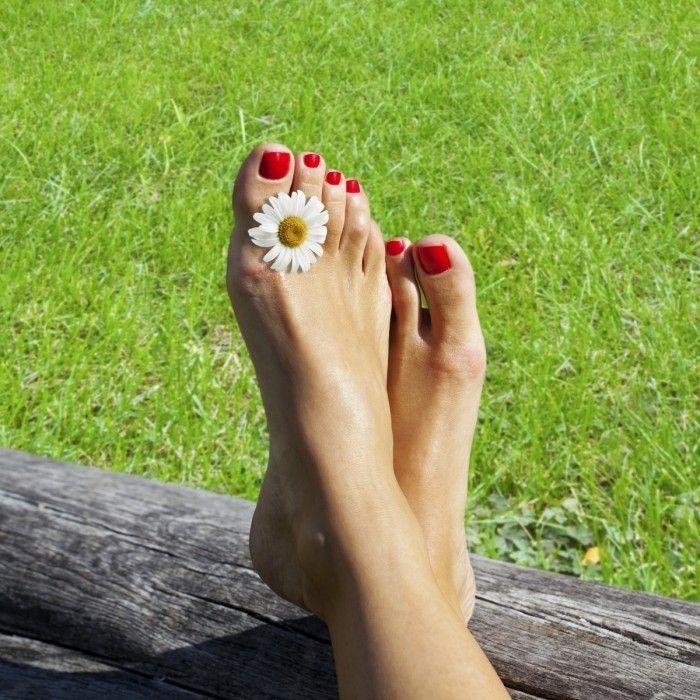 Как правильно ухаживать за ступнями ног в домашних условиях?